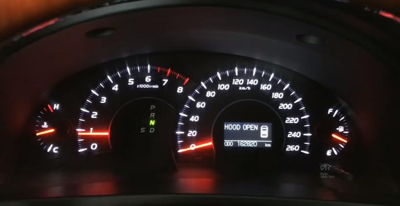 Панель приборов Тойота Camry